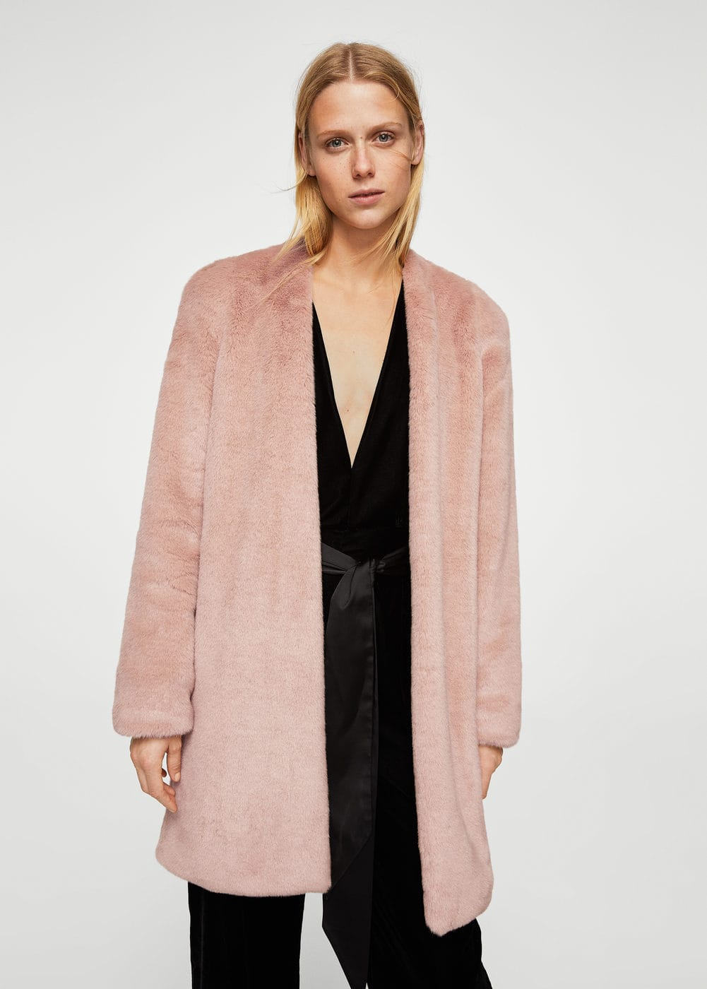 Shoulder pad faux fur coat | MANGO