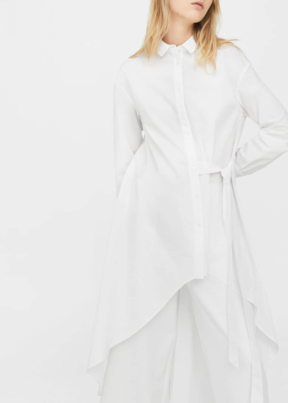 Asymmetric pearls shirt | MANGO
