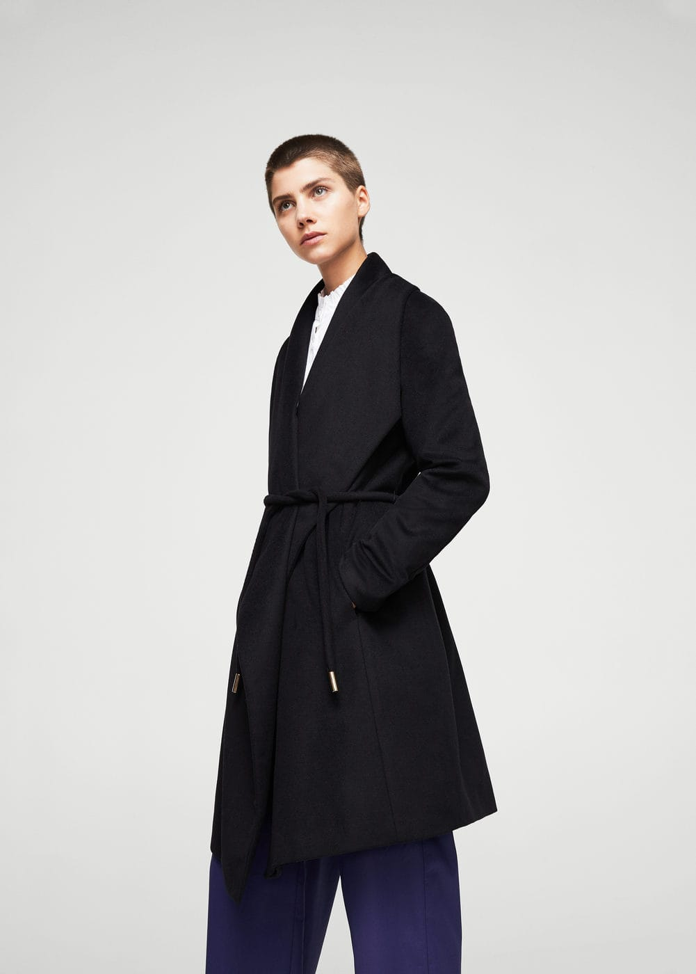Wraparound wool-blend coat | MANGO