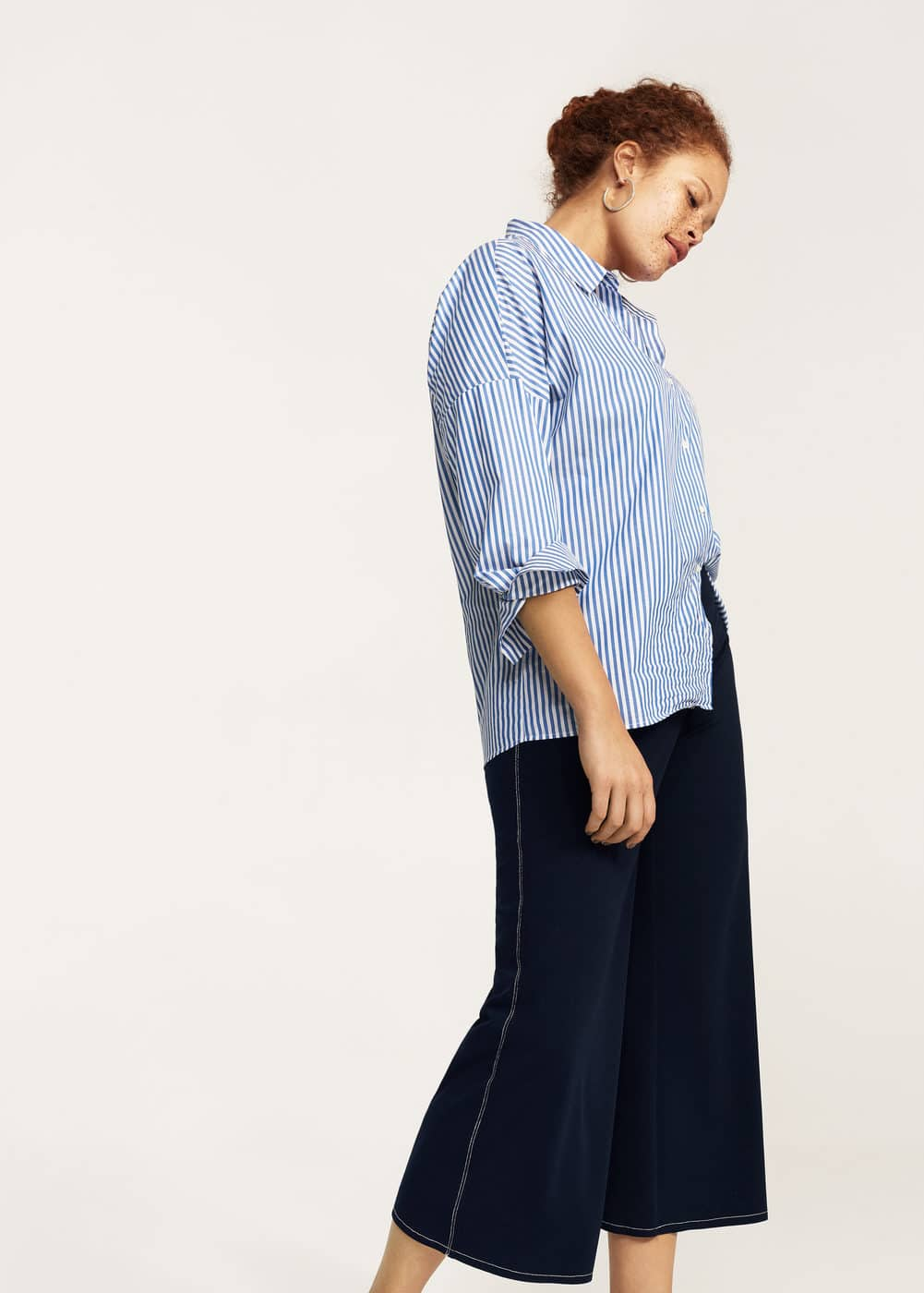 Contrast seam cropped trousers | MANGO
