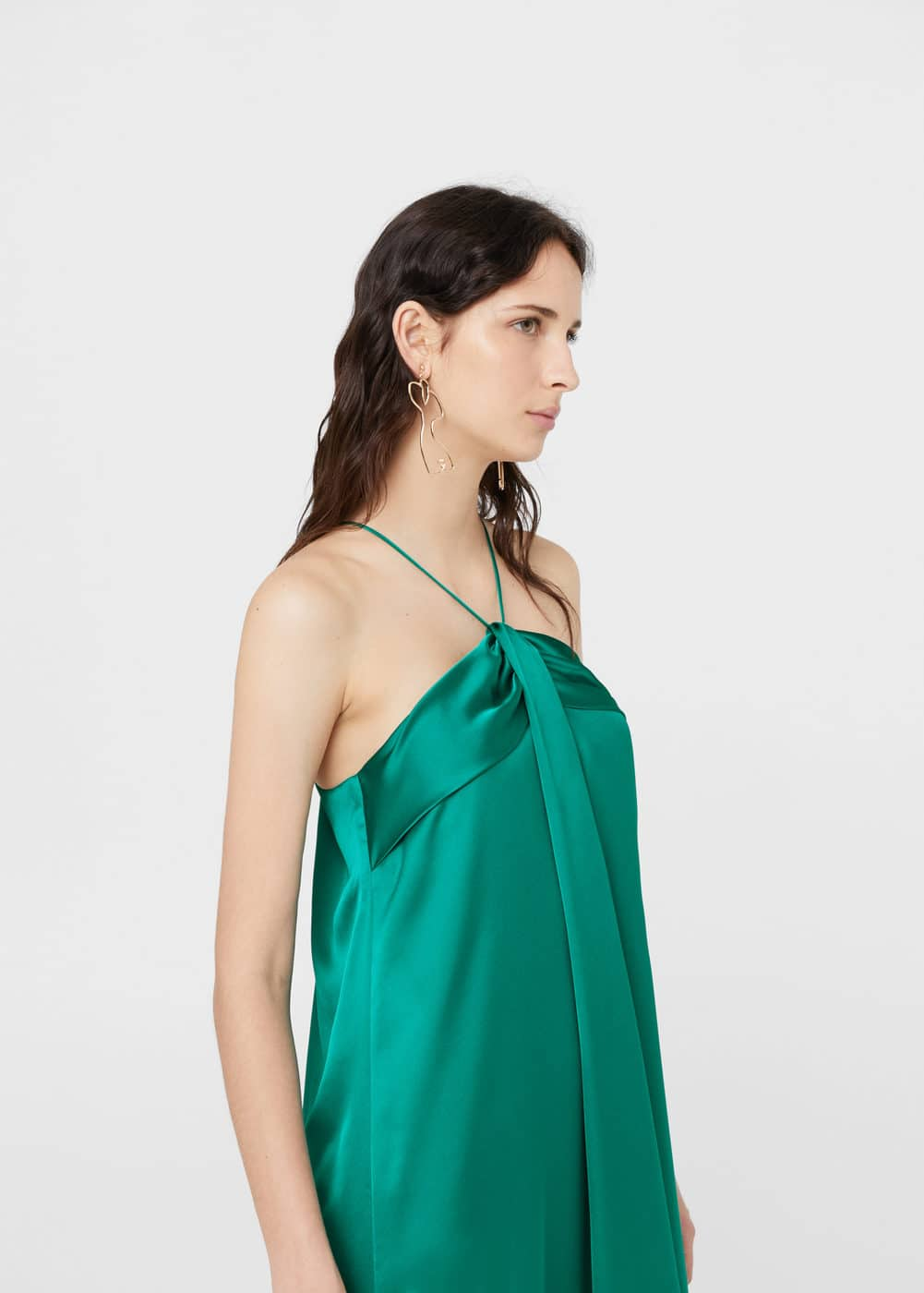 Neckholderkleid in satin-optik | MANGO
