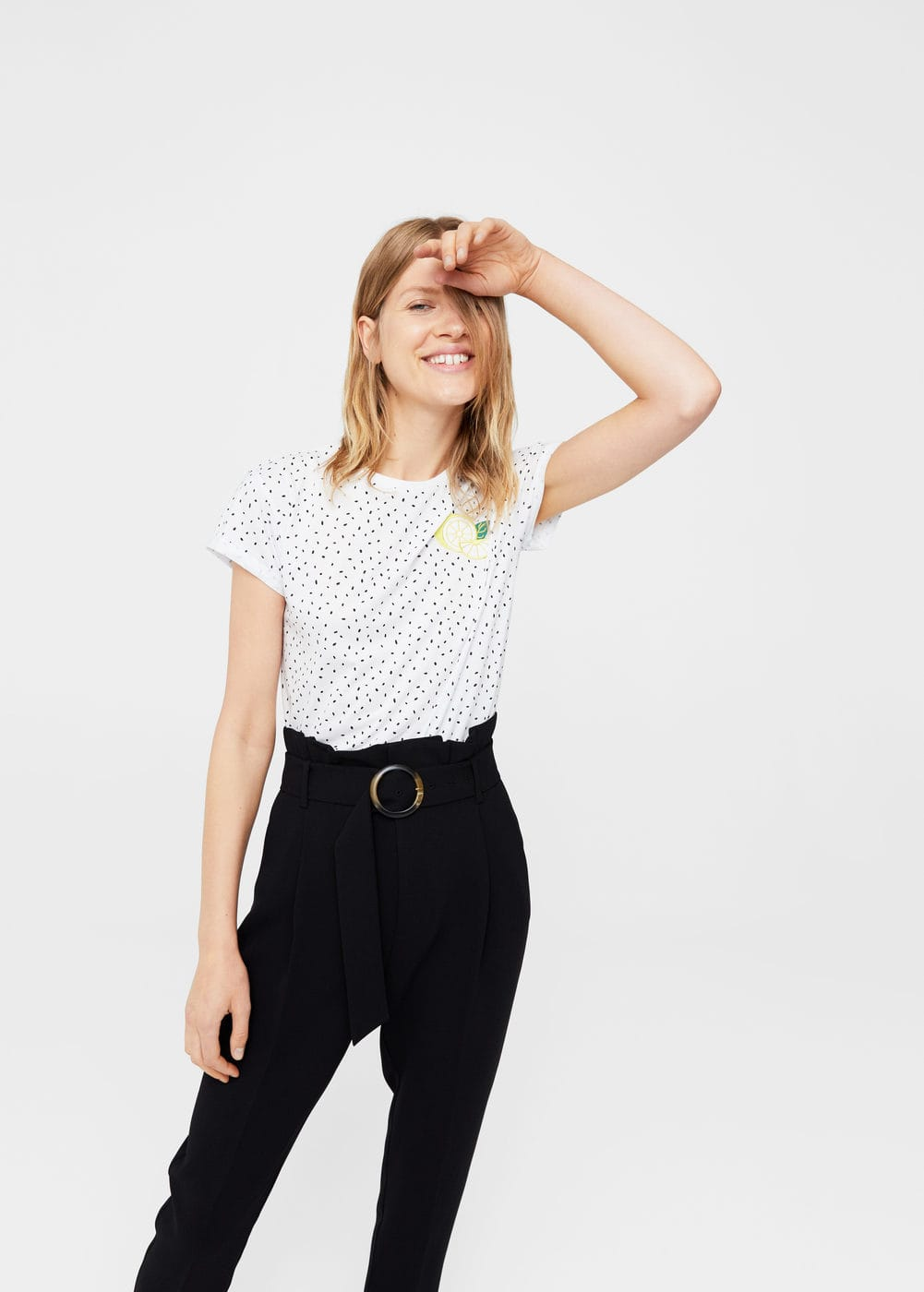 Gemustertes t-shirt mit patch | MANGO