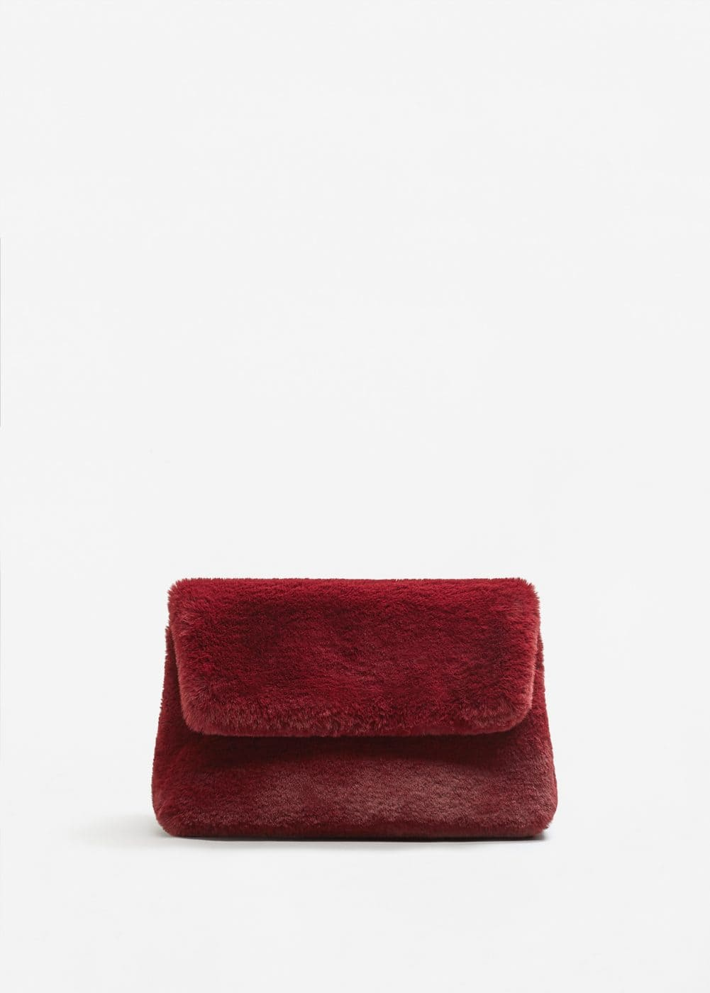 Faux fur textured clutch | MANGO