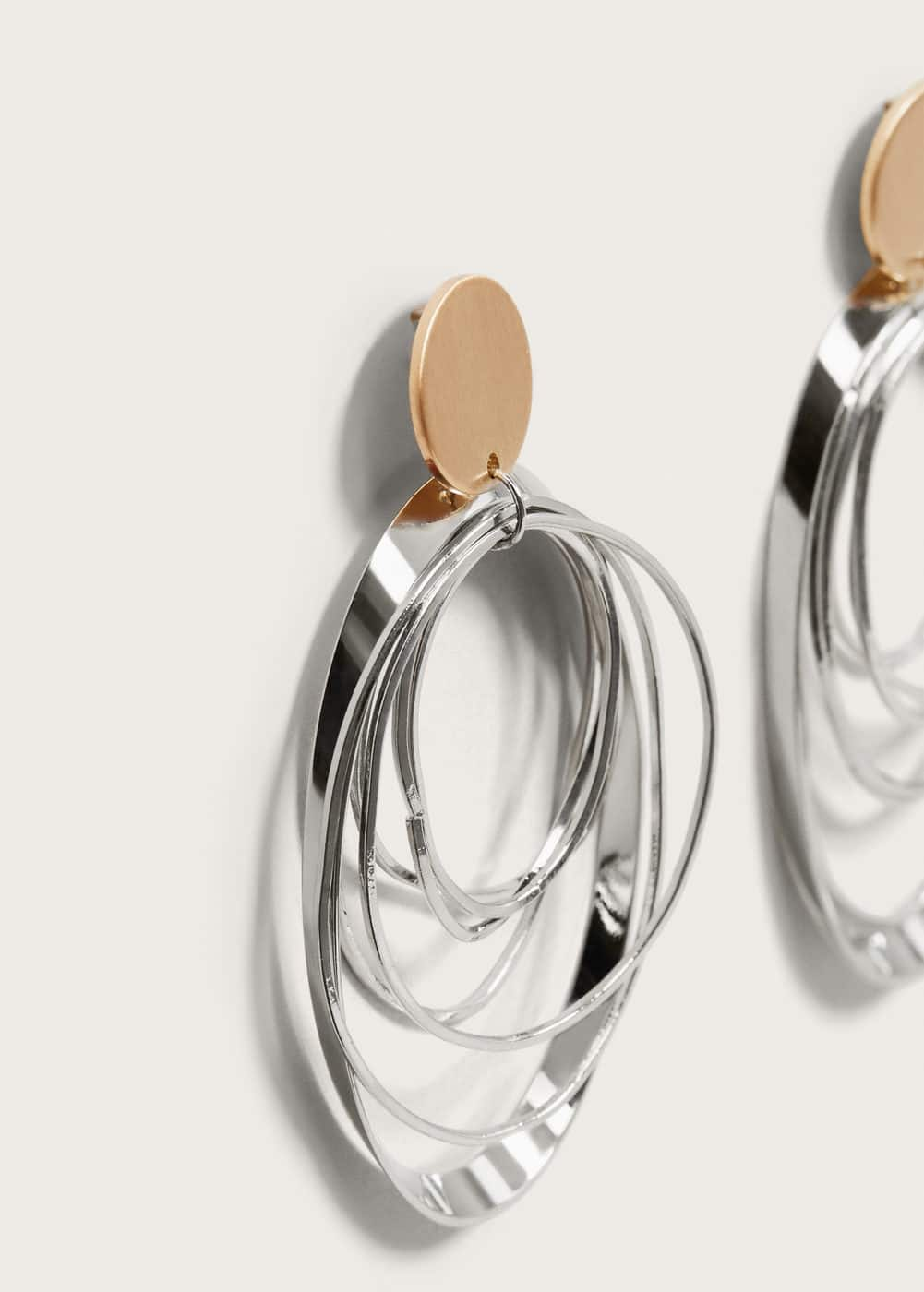 Twisted hoop earrings | MANGO