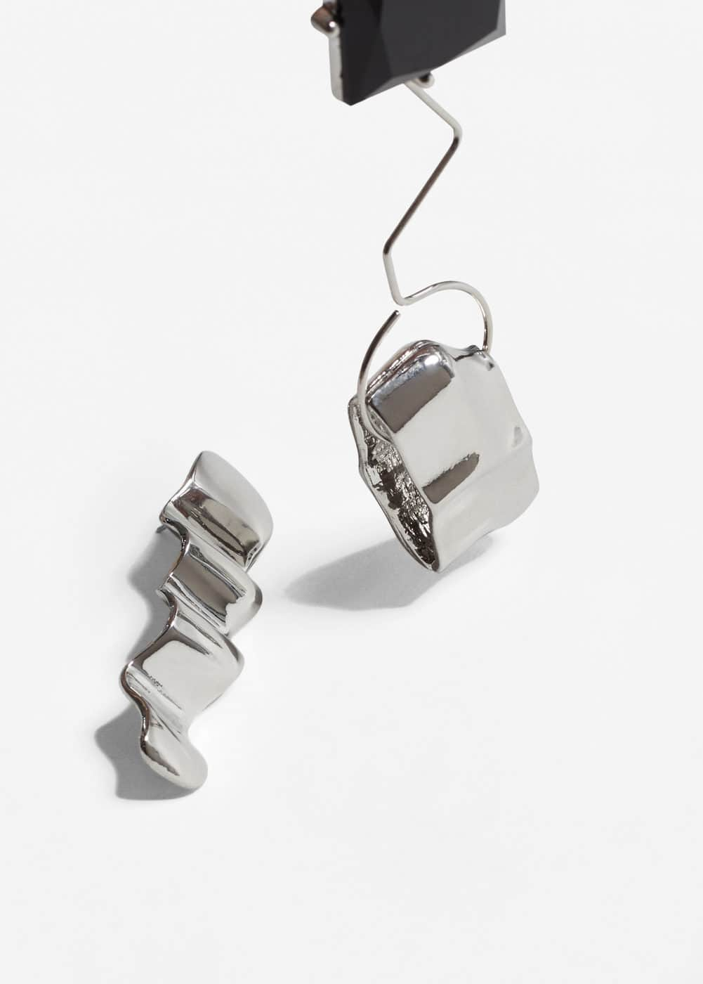 Asymmetric earrings | MANGO