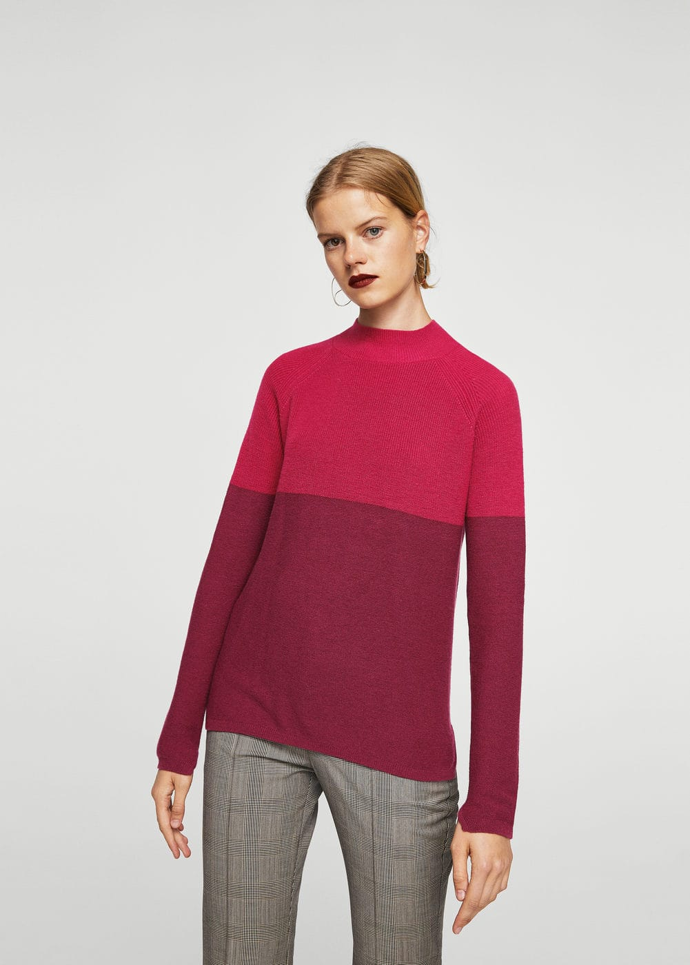 Contrast panel sweater | MANGO