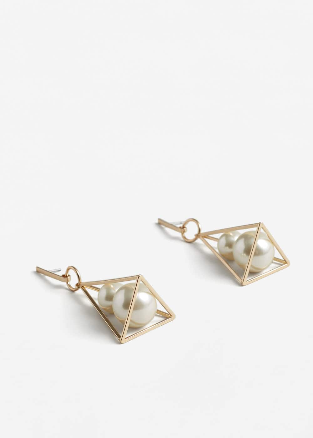 Geometric pearl earrings | MANGO