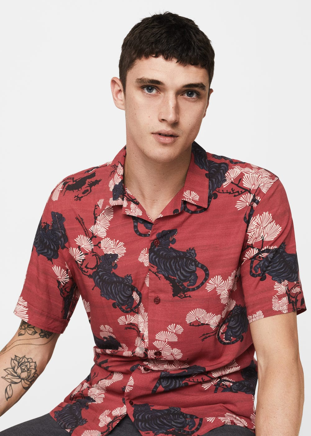 Regular-fit floral print shirt | MANGO