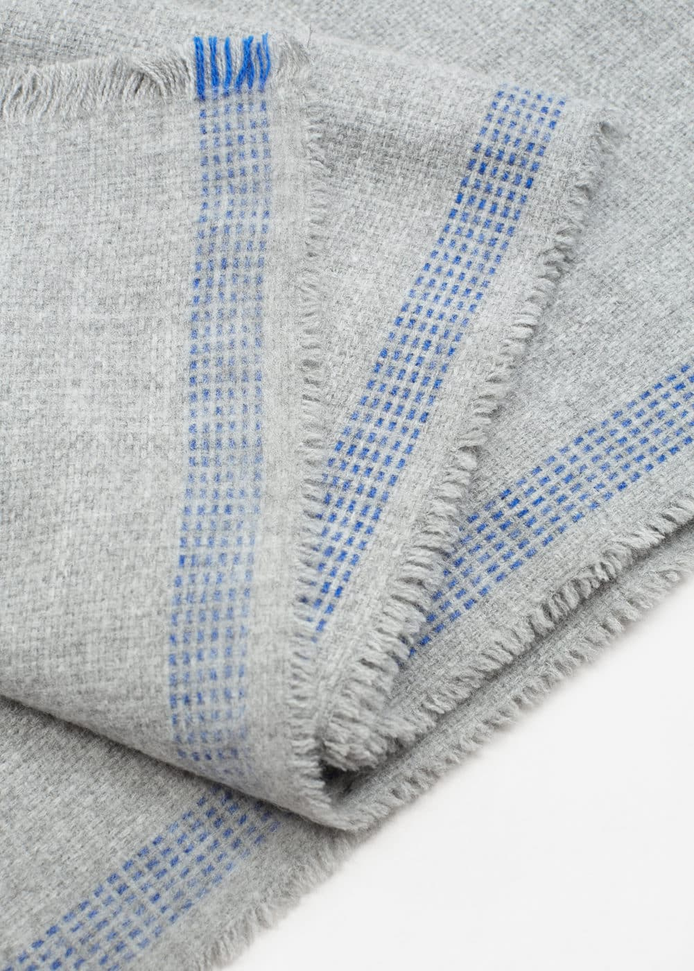 Flecked knit scarf | MANGO