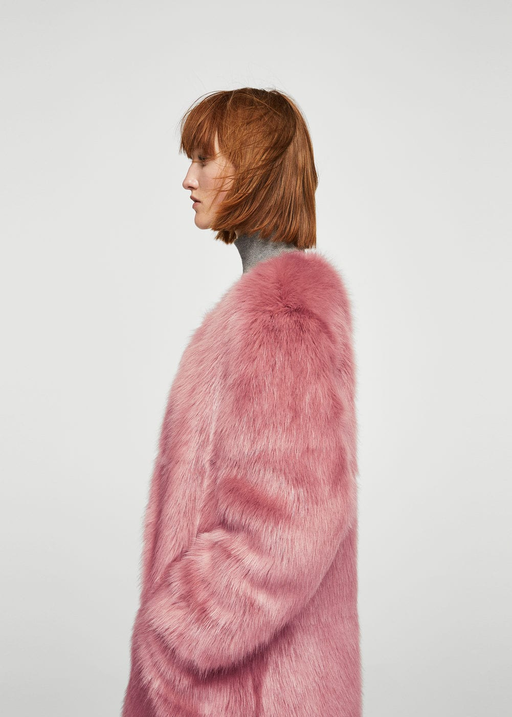 Brooch faux fur coat | MANGO