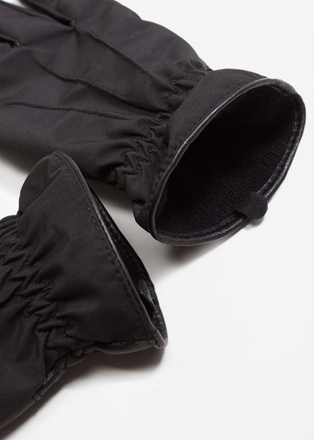 Leather gloves | MANGO