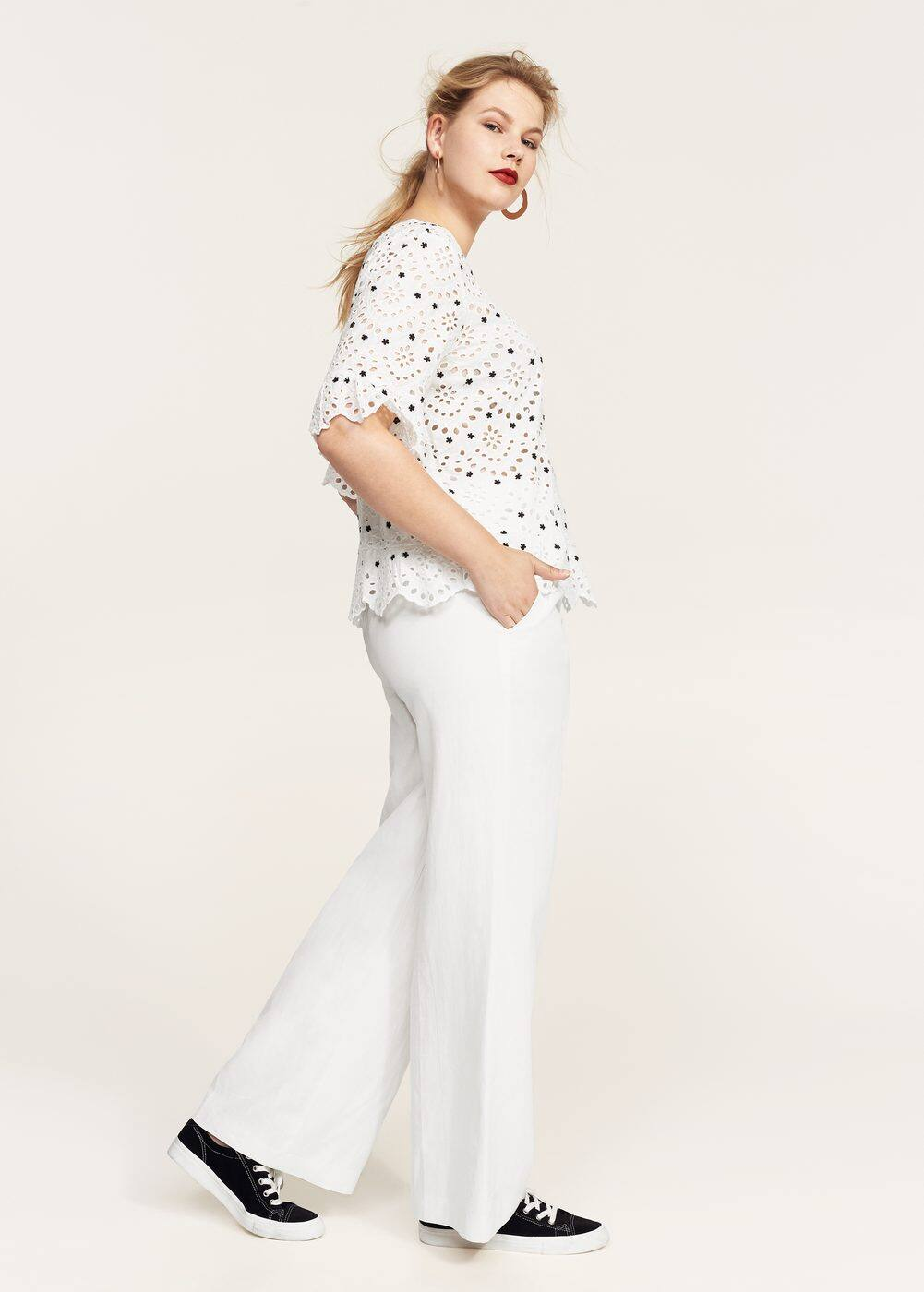 Openwork embroidered blouse | MANGO