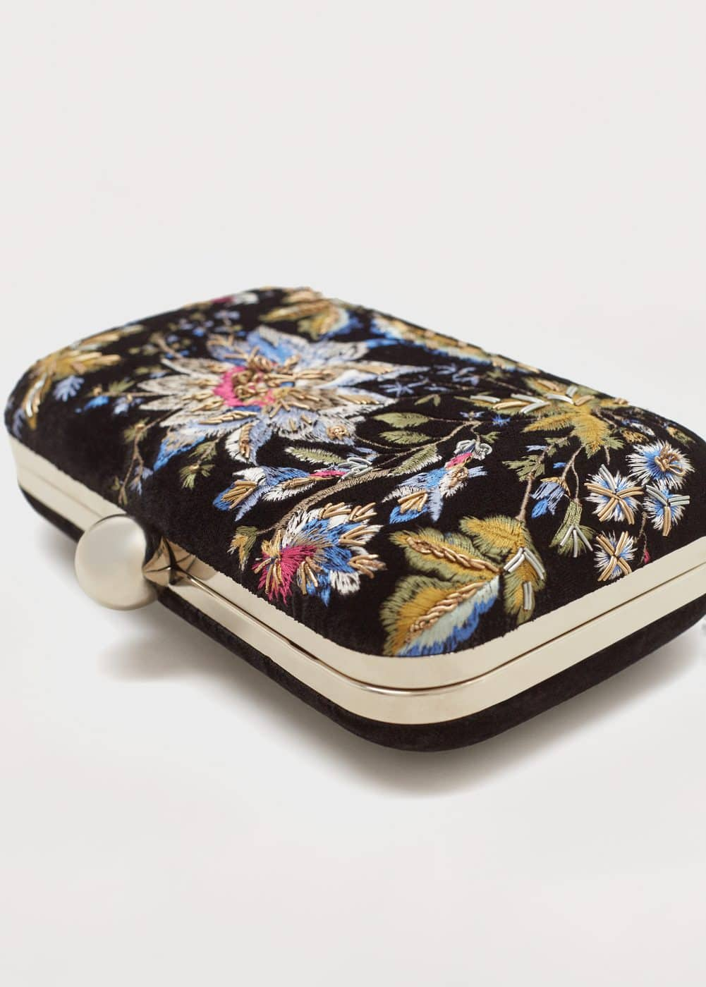 Clutch bordado floral | MANGO