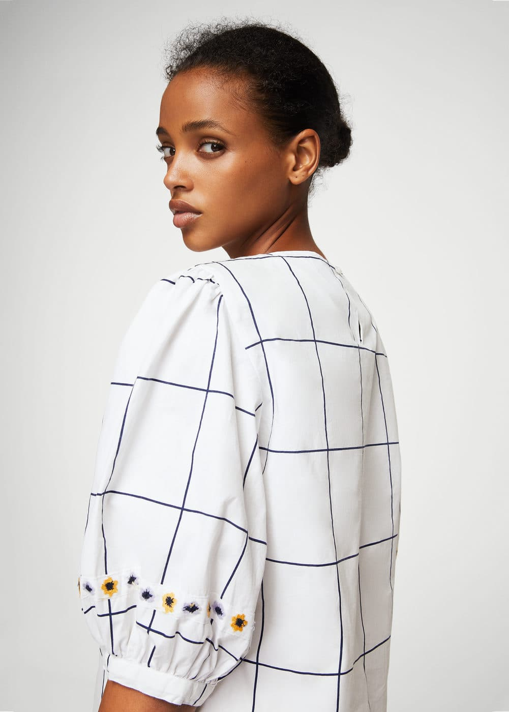 Floral embroidery checked blouse | MANGO