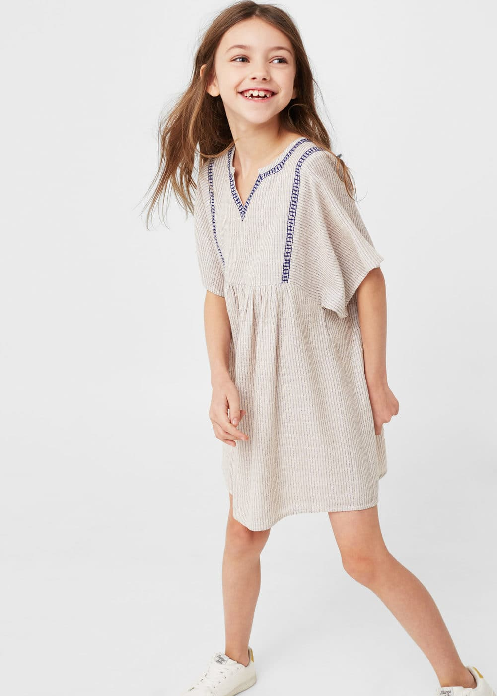 Kleid mit metallic-garn | MANGO KIDS