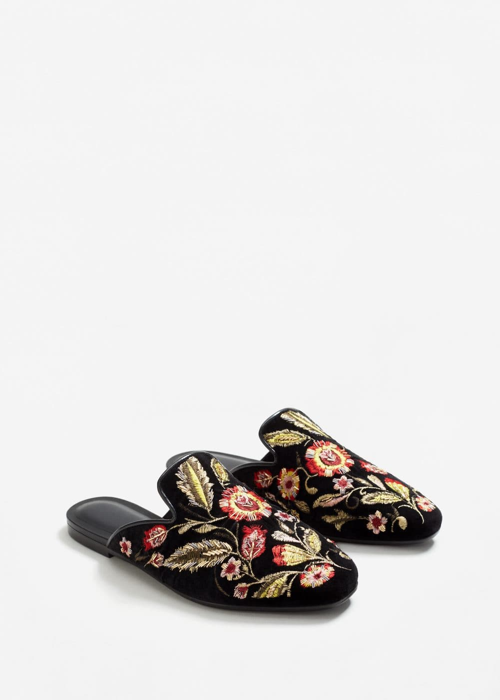 Embroidered velvet loafers | MANGO