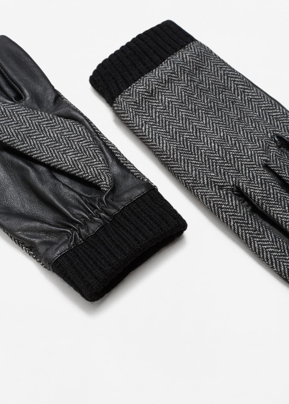Contrast leather gloves | MANGO