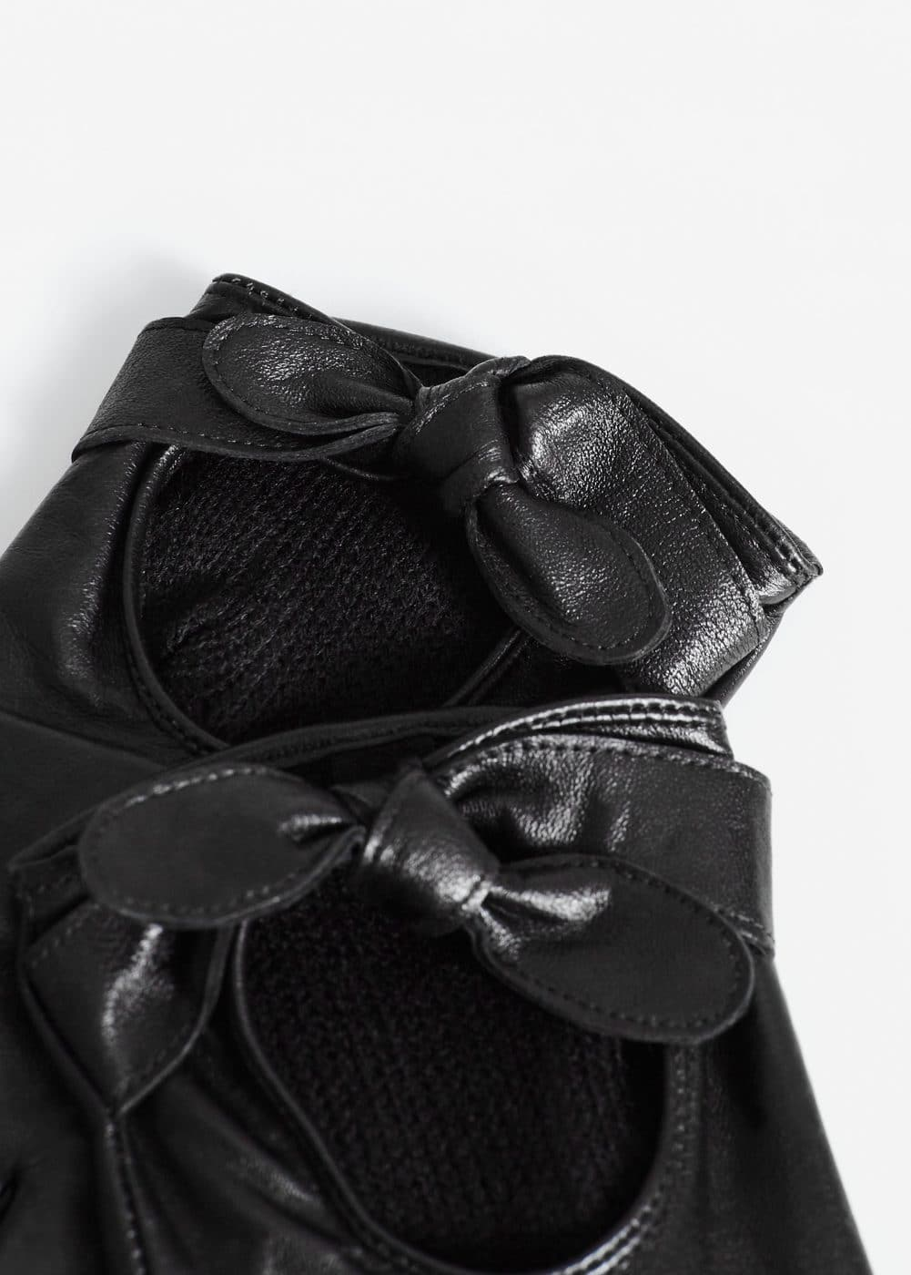 Bow leather gloves | MANGO