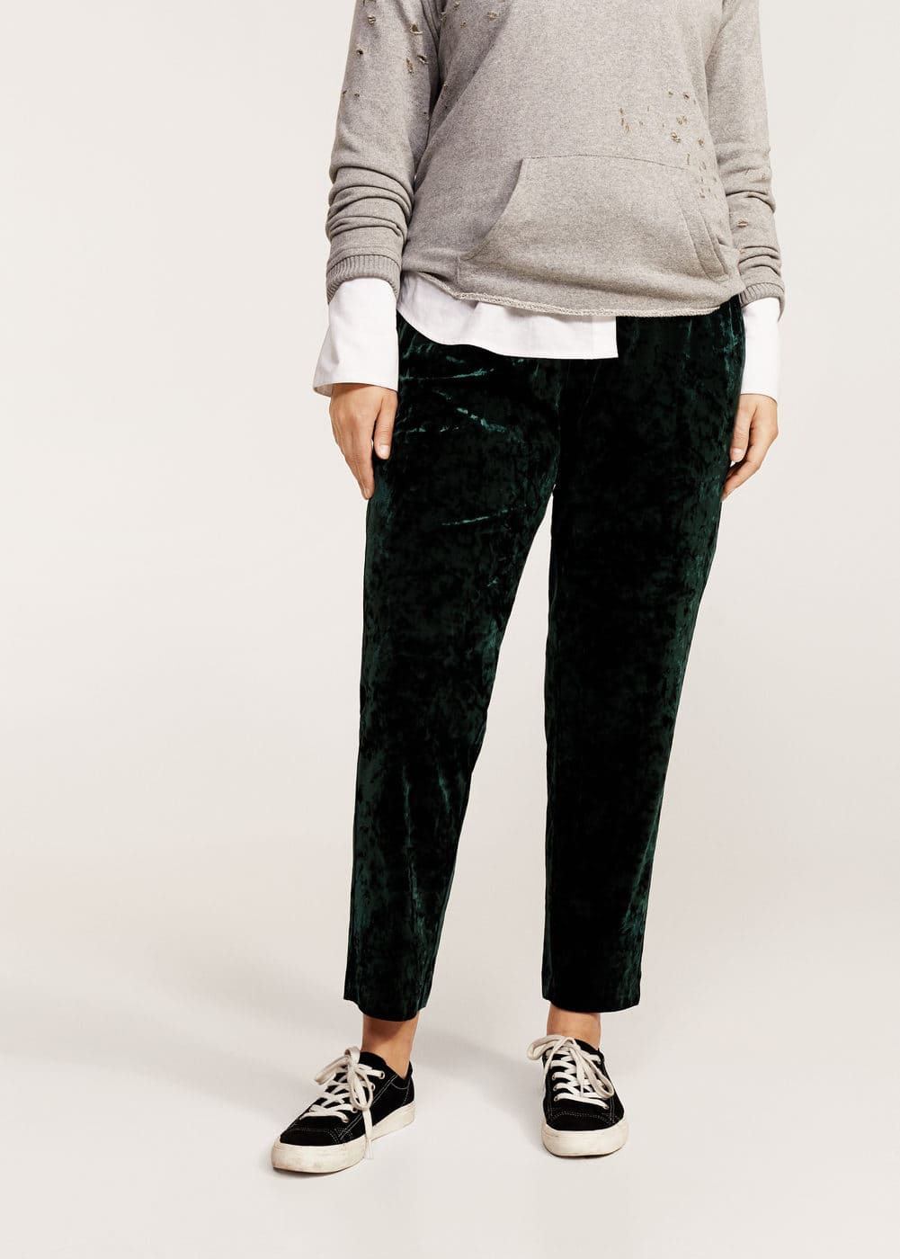 Baggy velvet trousers | VIOLETA BY MANGO