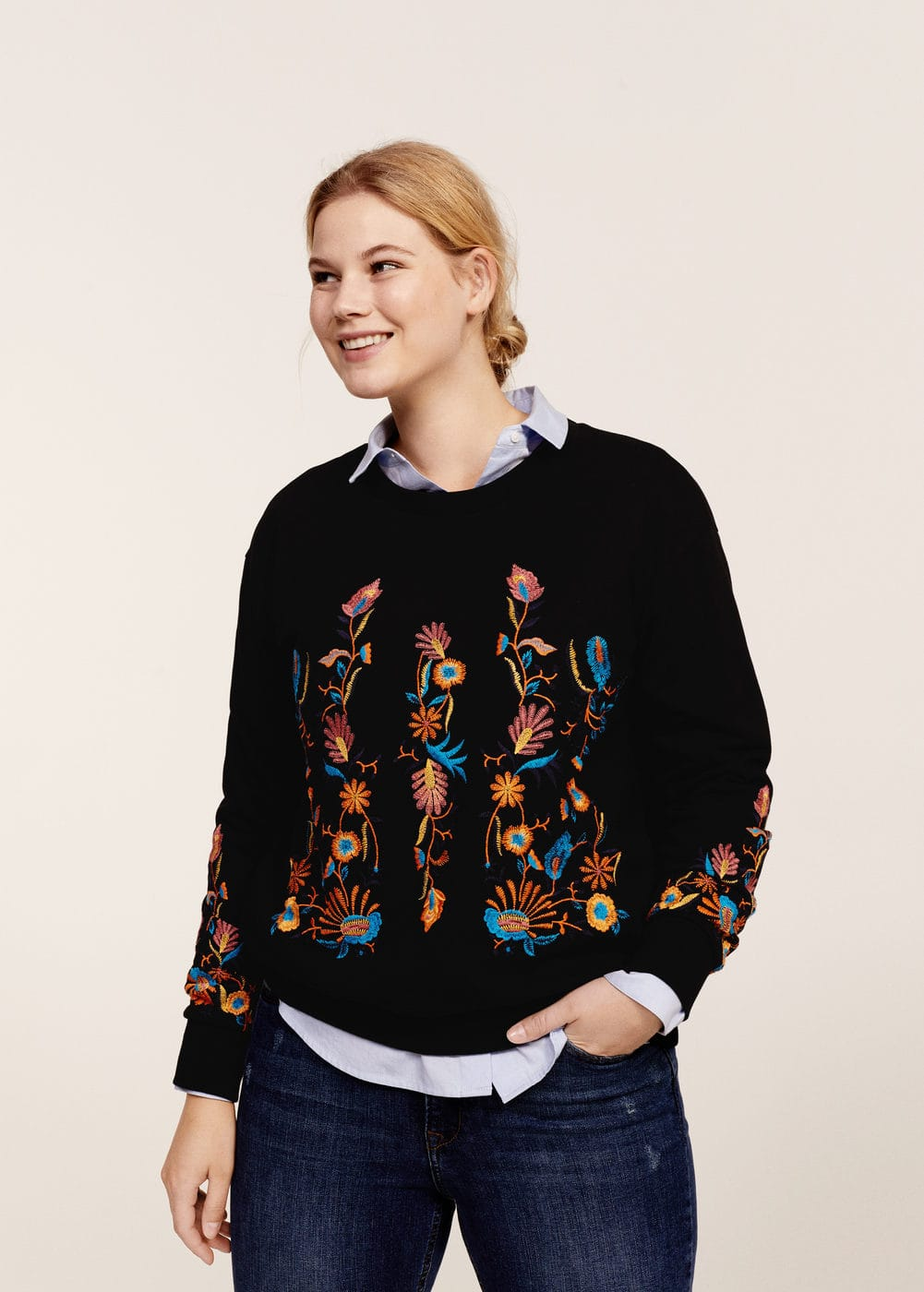Floral embroidered sweatshirt | MANGO