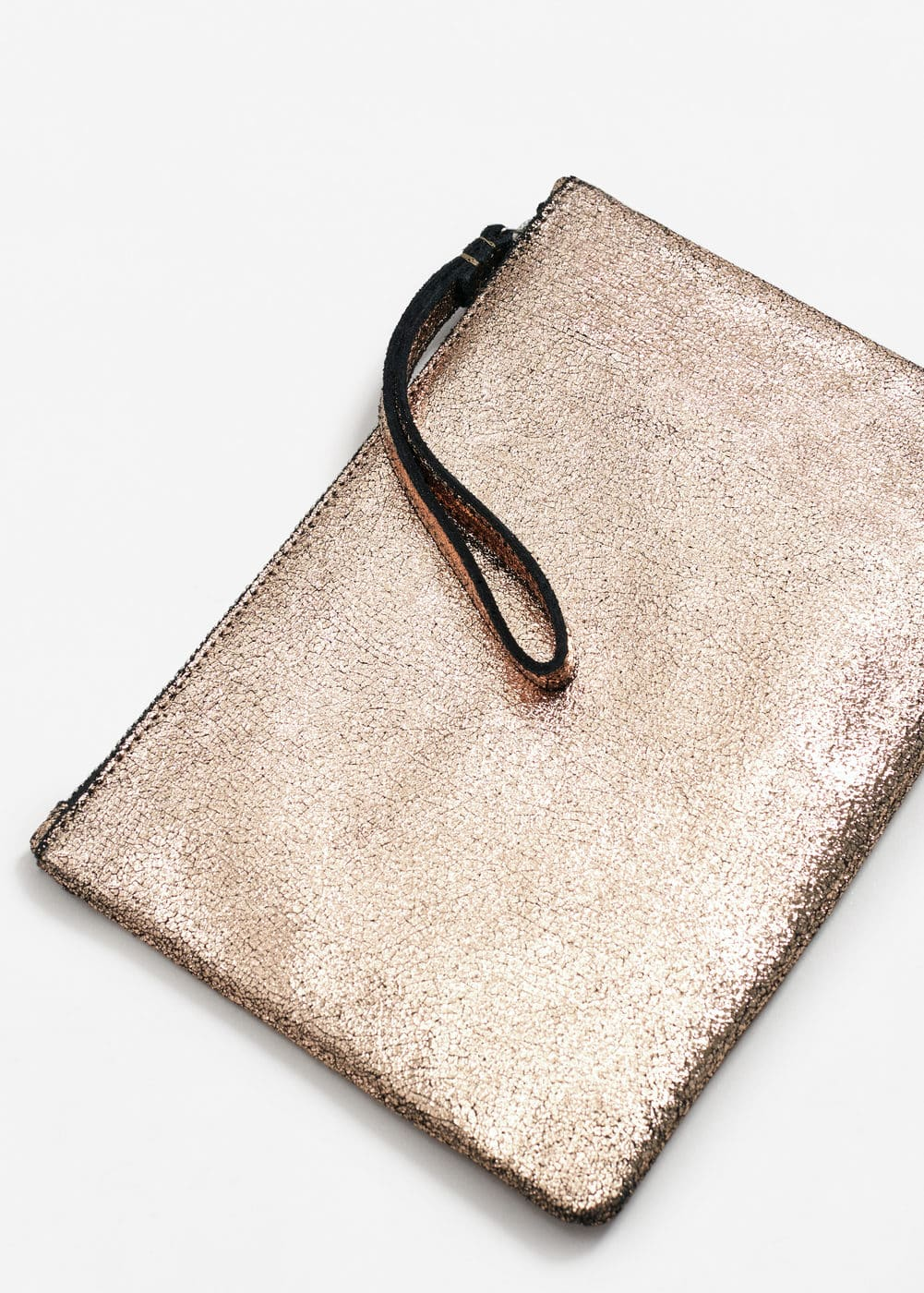 Metallic leather cosmetic bag | MANGO