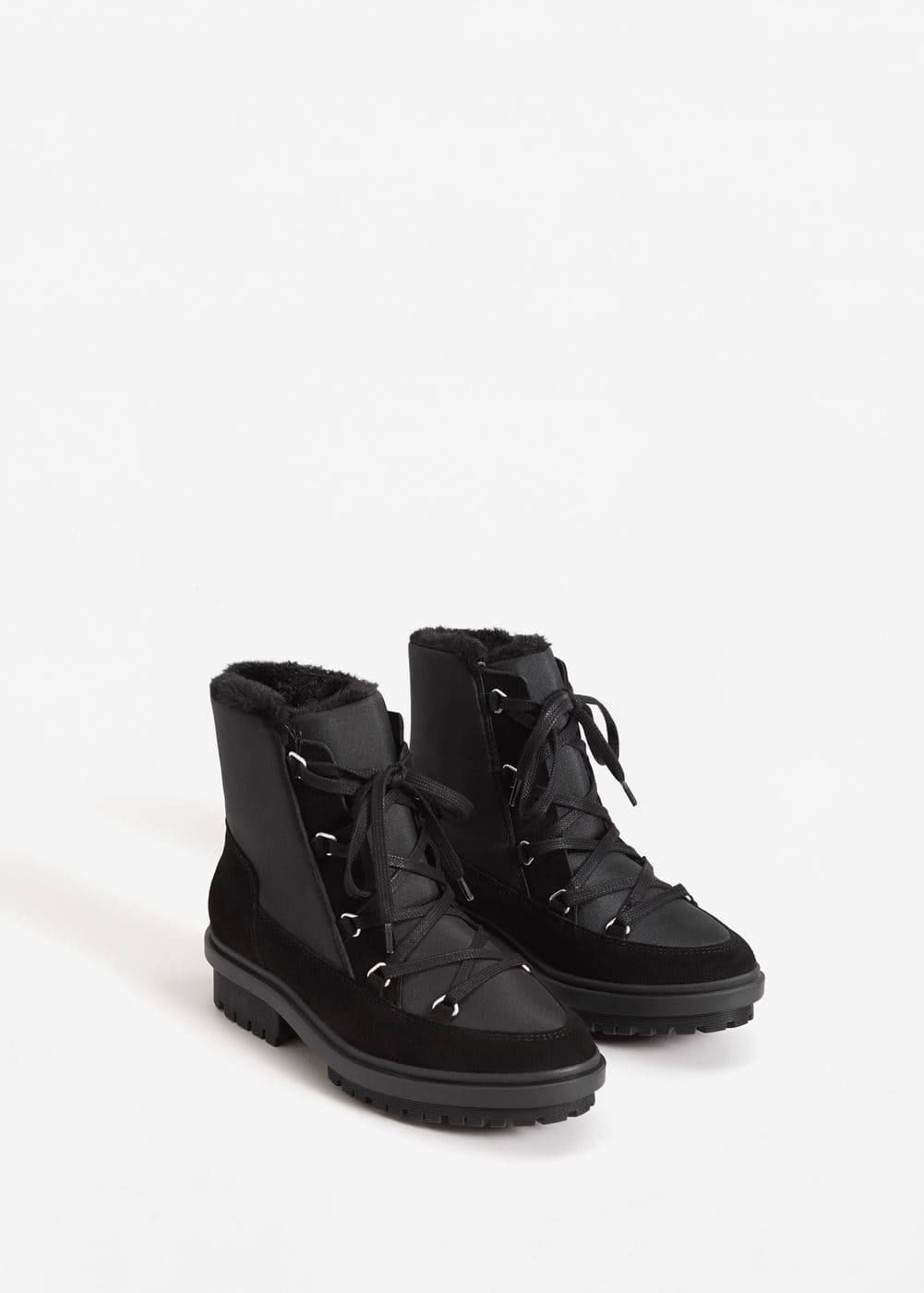 Track sole contrast ankle boots | MANGO