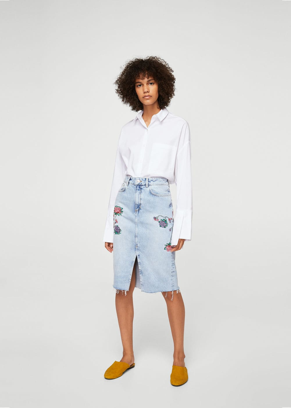 Embroidered denim skirt | MANGO