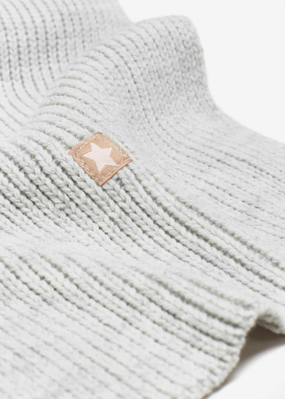 Star knitted scarf | MANGO