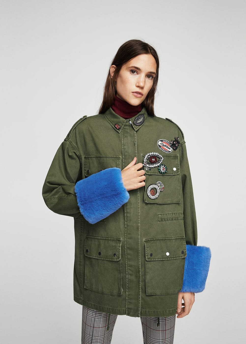 Patched contrasted cuffs parka | MANGO