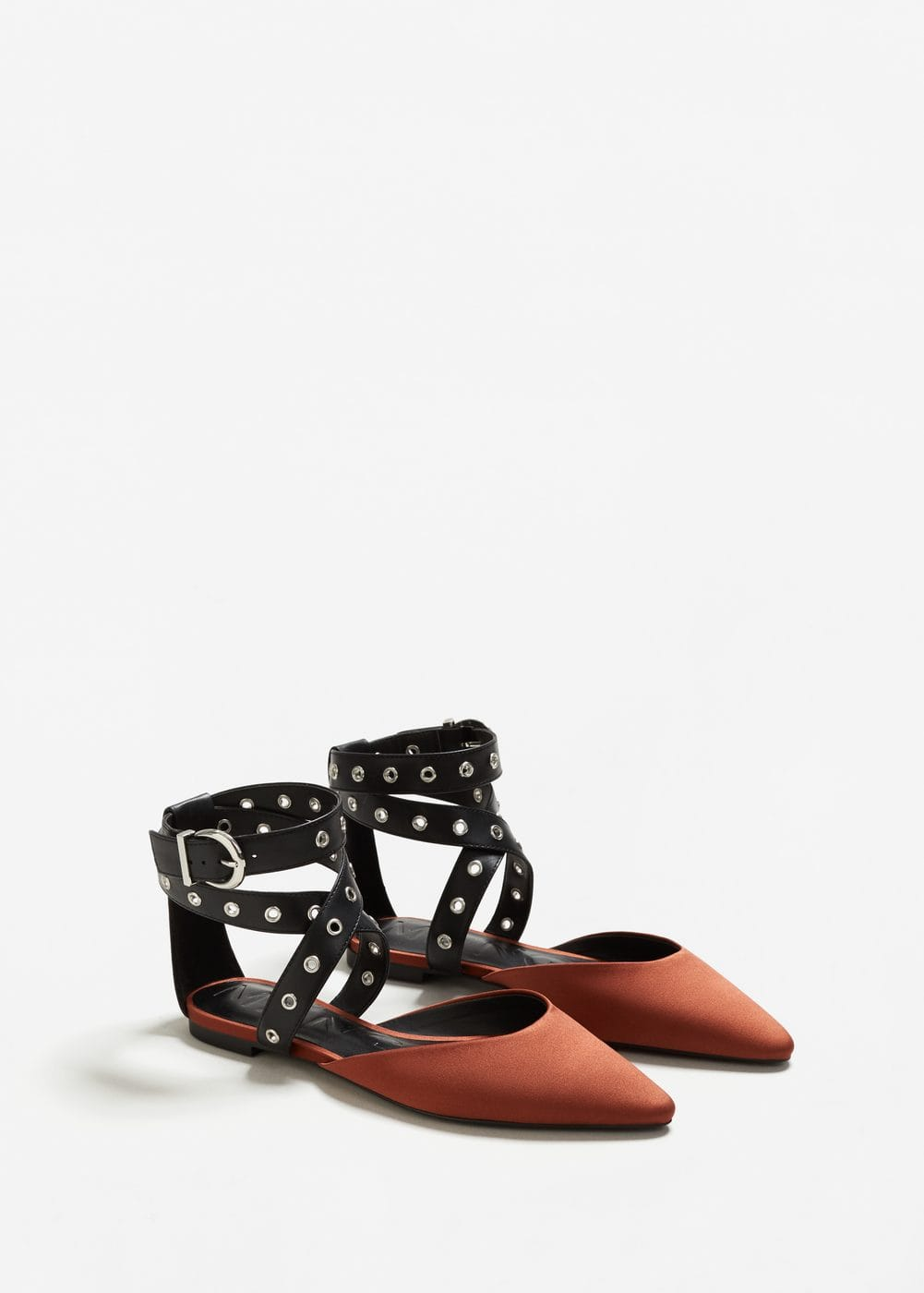 Ankle-cuff pointed toe shoes | MANGO