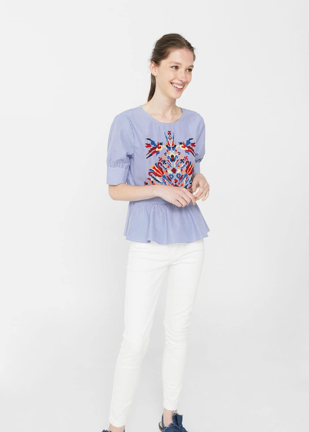 Floral embroidery blouse | MANGO