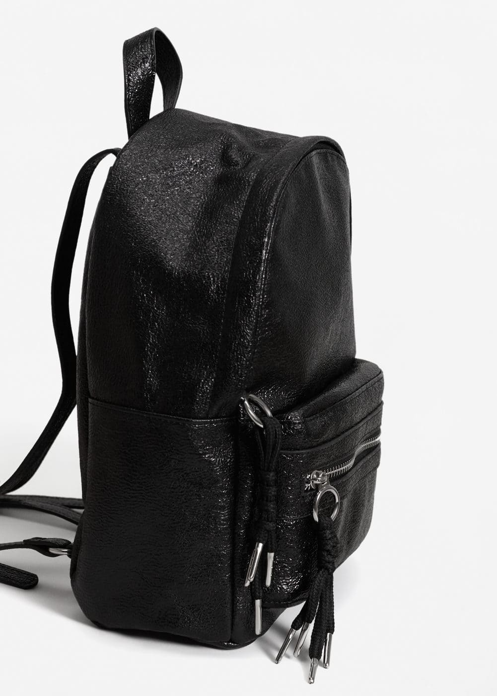 Metallic vinyl backpack | MANGO