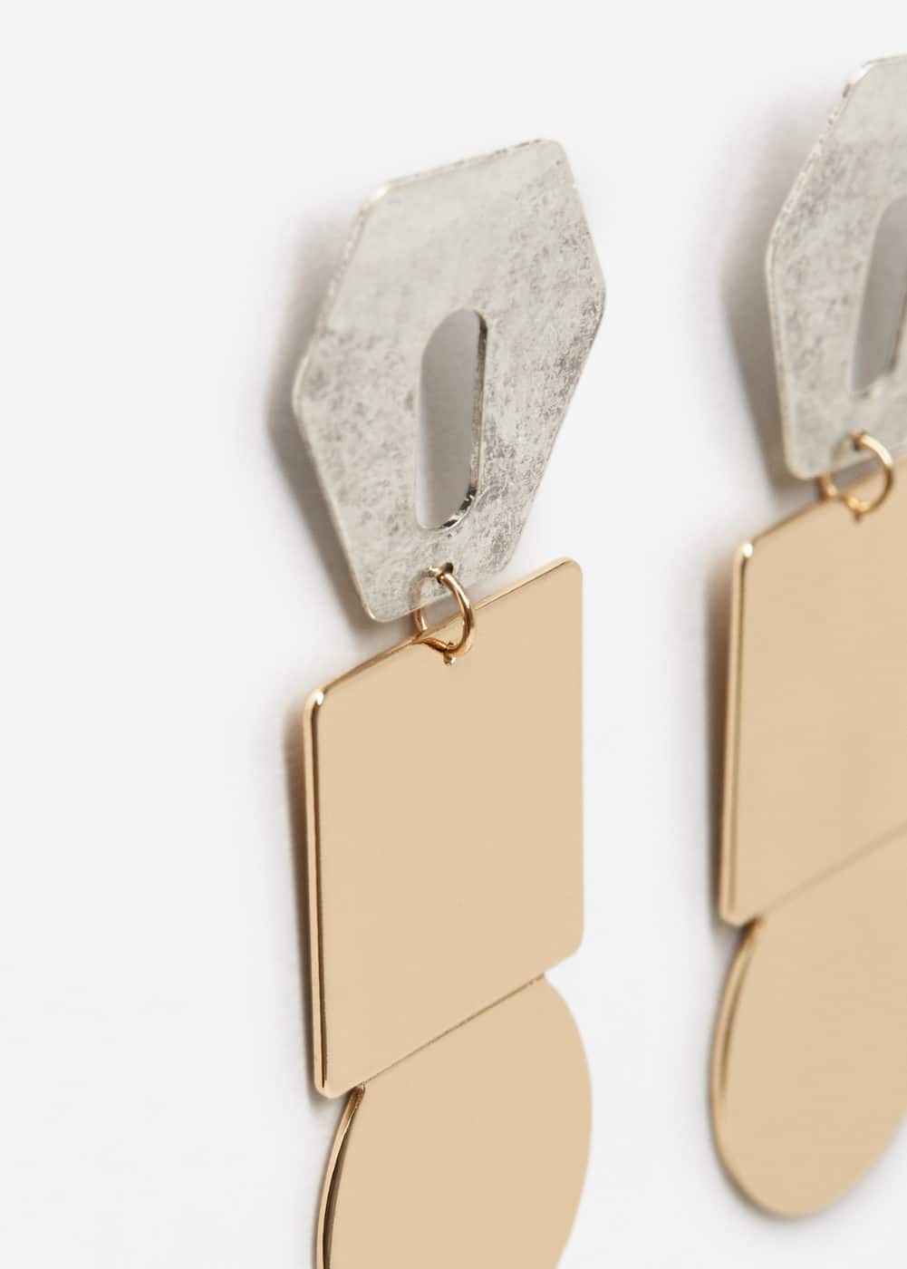 Geometric earrings | MANGO