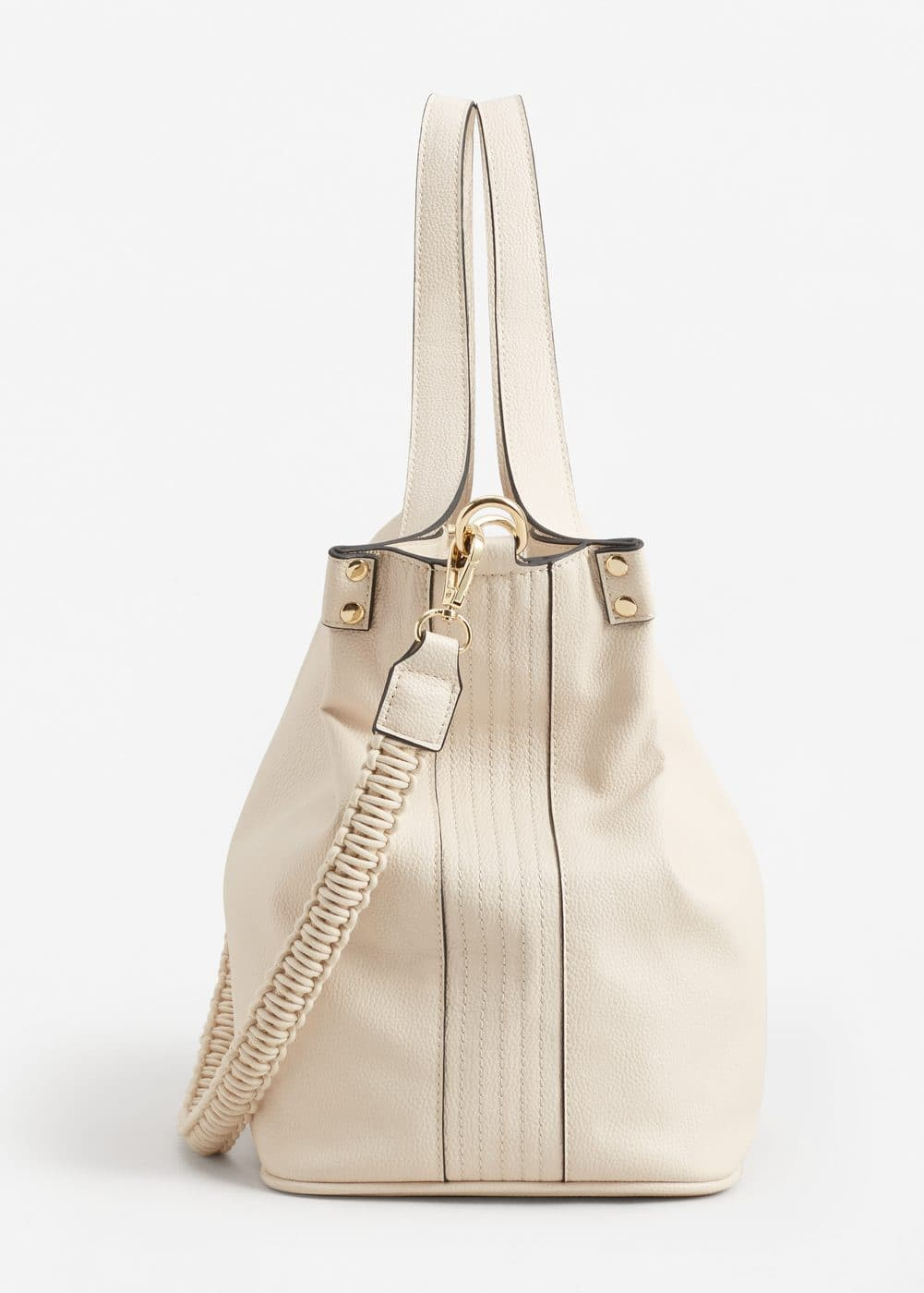 Pebbled bucket bag | MANGO