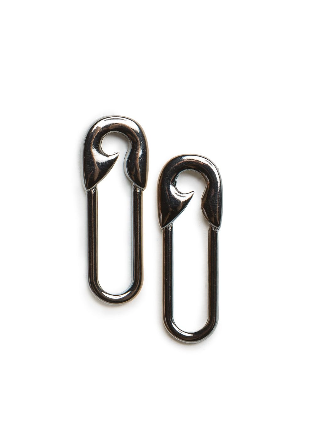 Safety pin earrings | MANGO