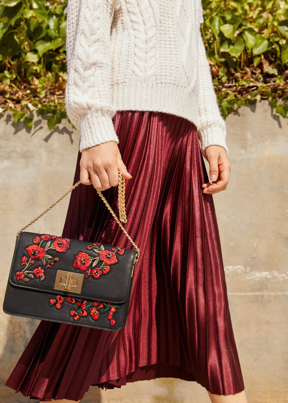 Floral embroidery bag | MANGO