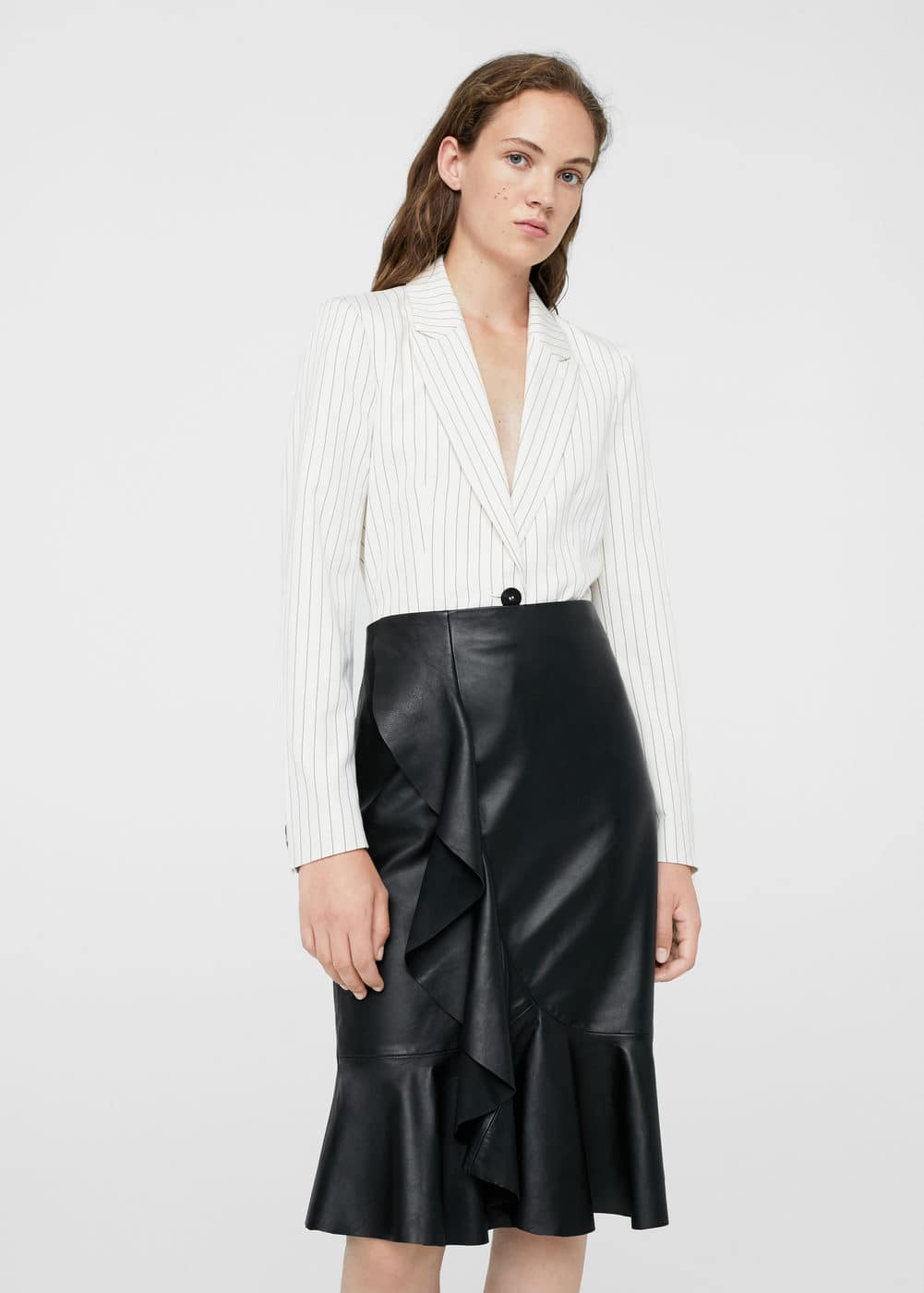 Fluted-hem leather skirt | MANGO