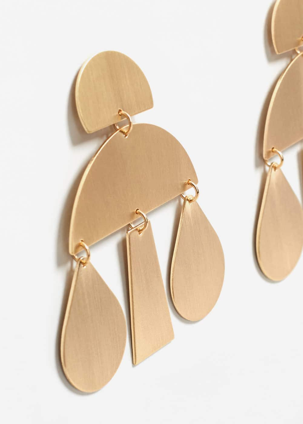Metal pendants earrings | MANGO