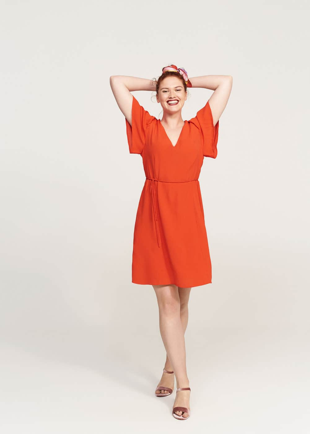 V-neckline dress | MANGO