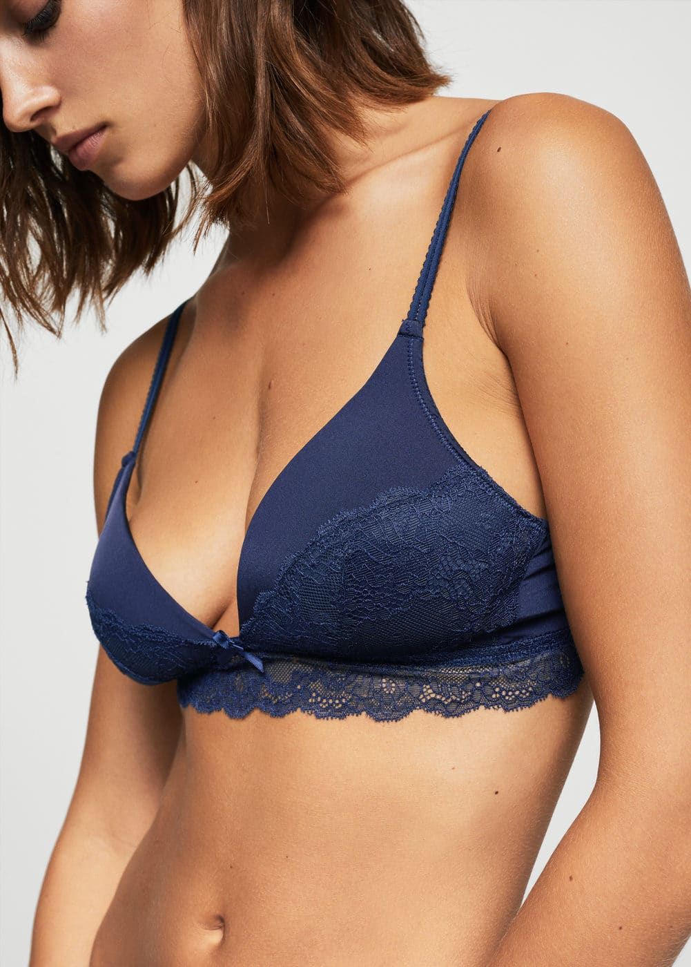 Triangle lace bra | MANGO