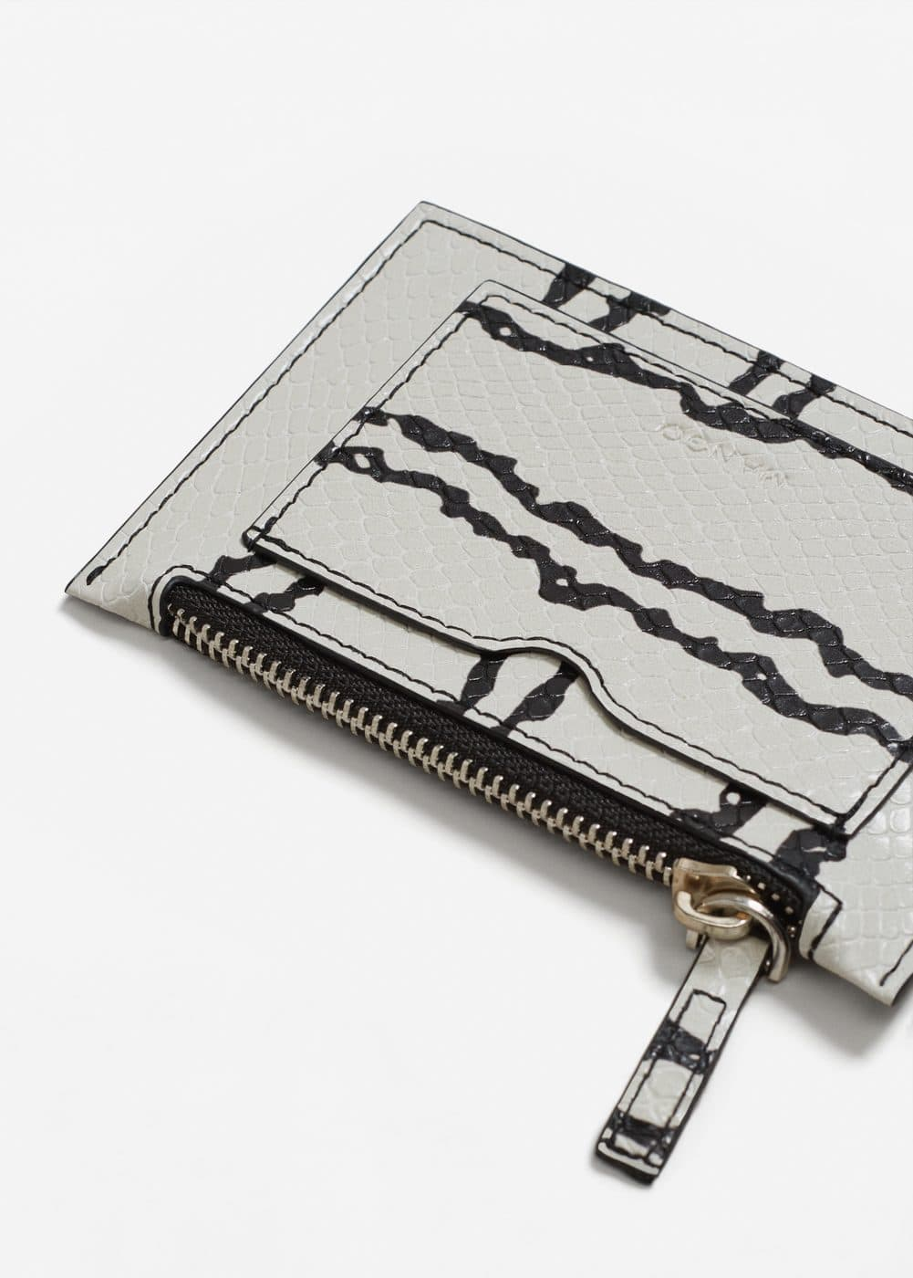 Snake-effect purse | MANGO
