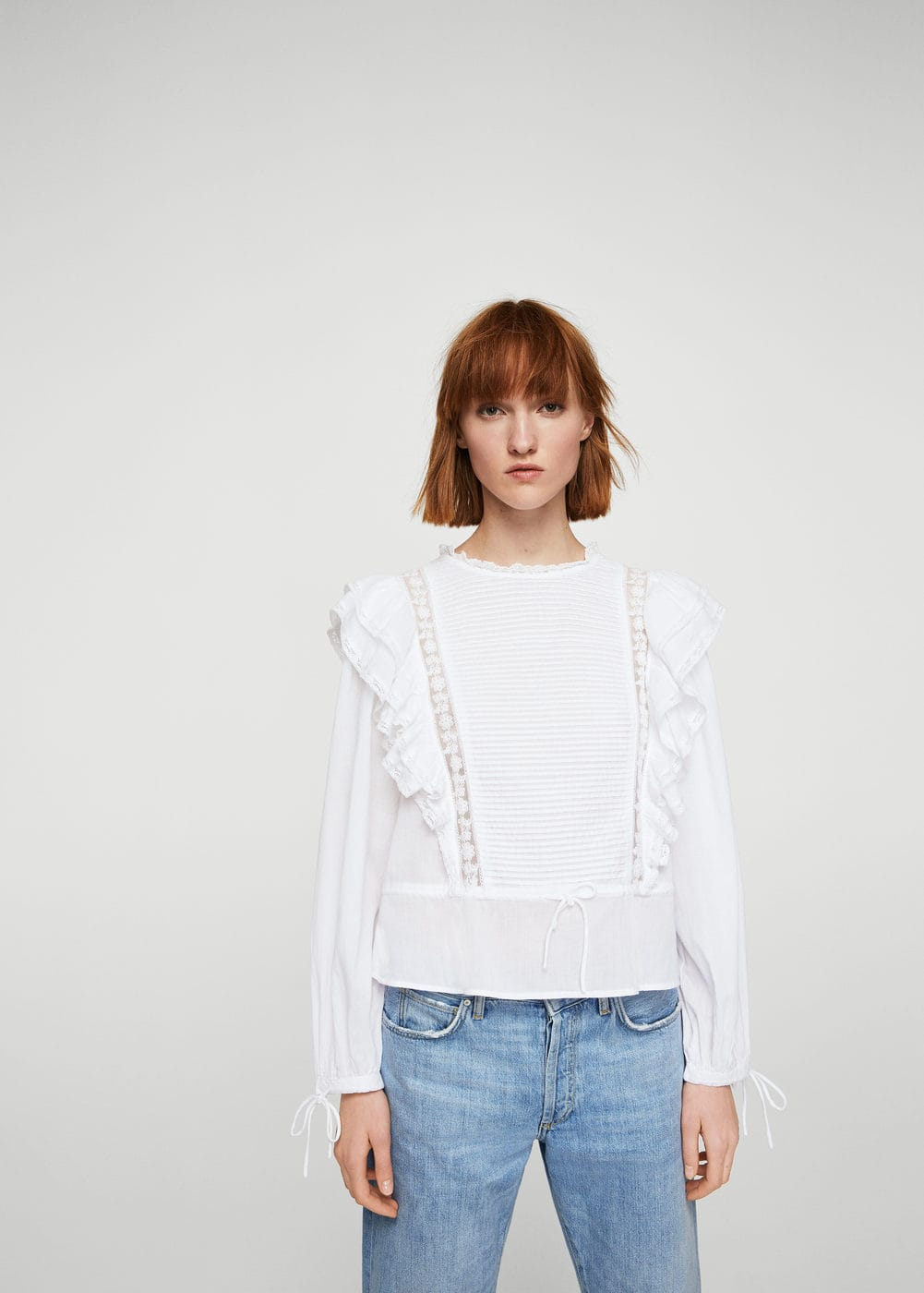 Ruffled blond-lace blouse | MANGO