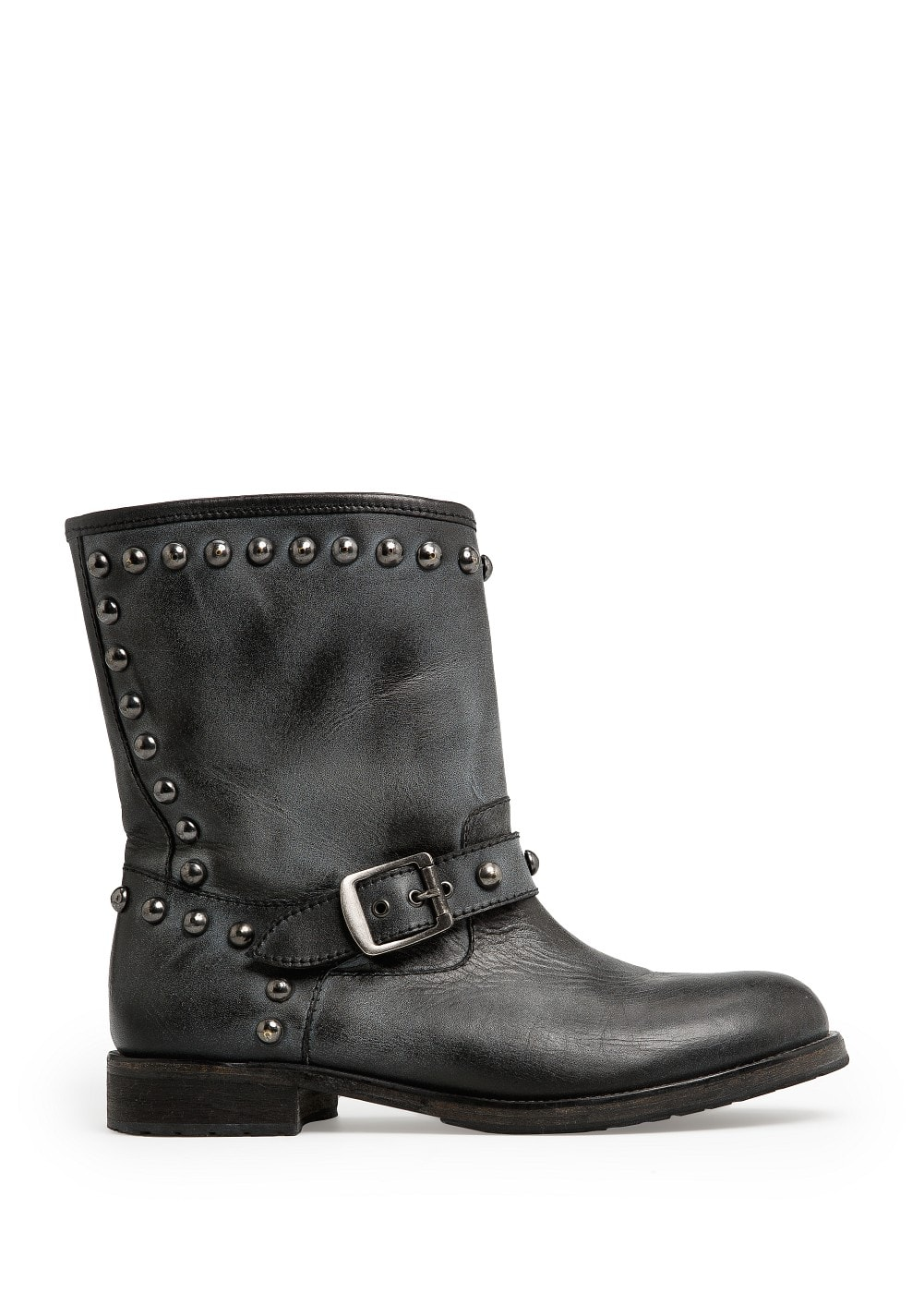 Rounded studs leather boots | MANGO