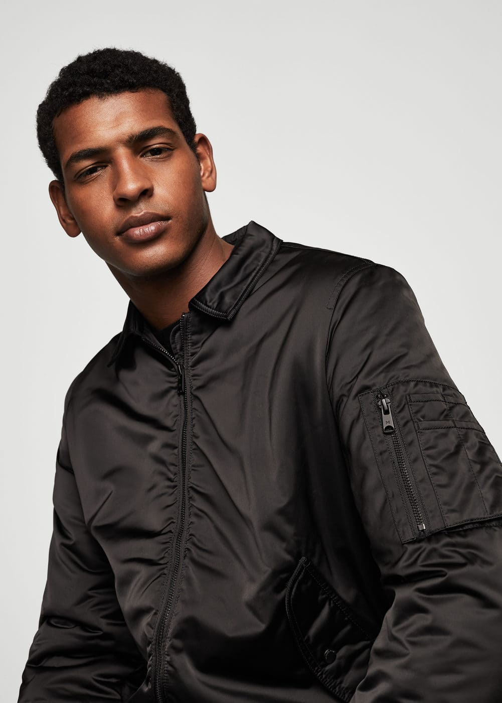 Pocketed satin bomber jacket | MANGO MAN