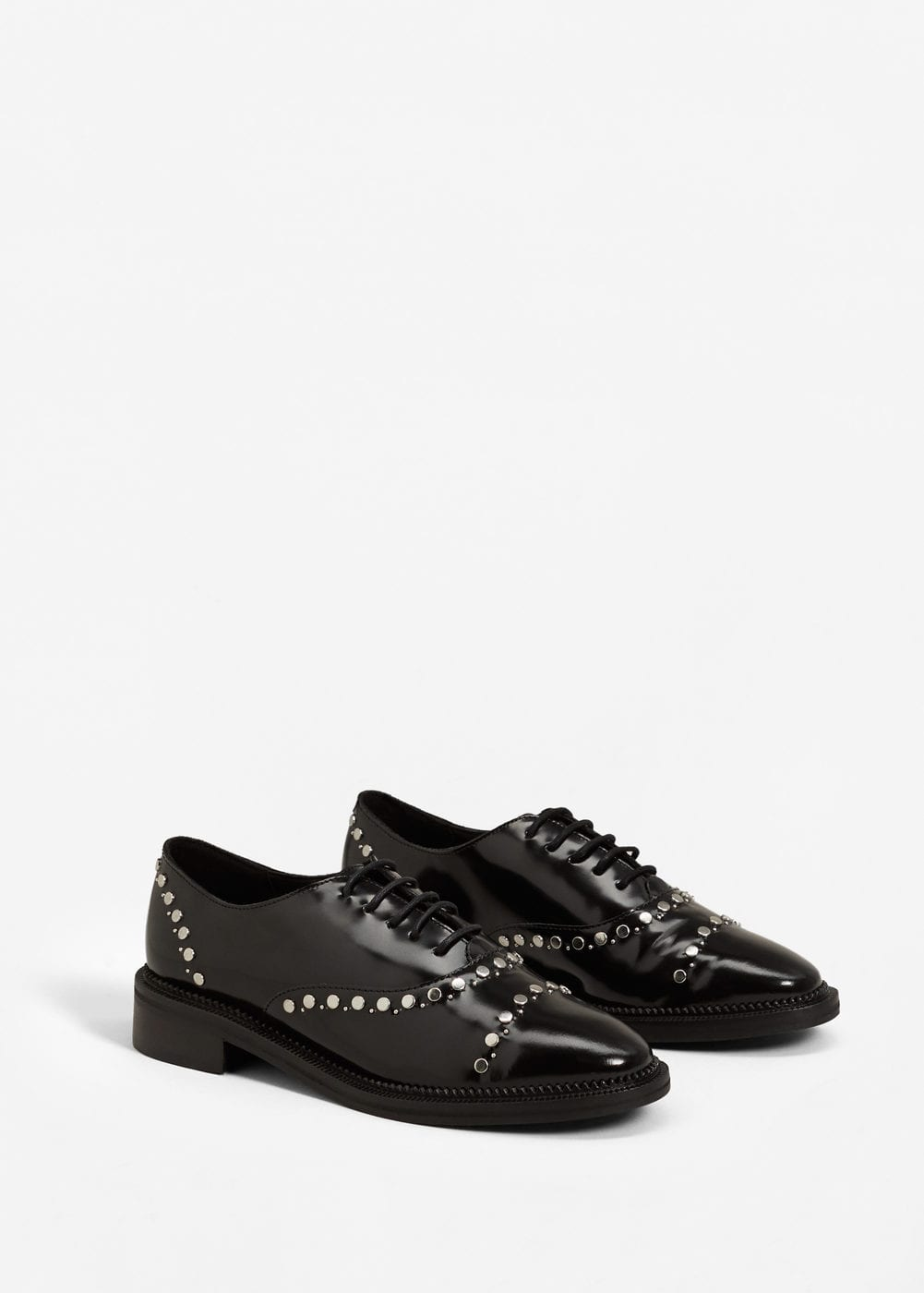 Studded leather shoes | MANGO