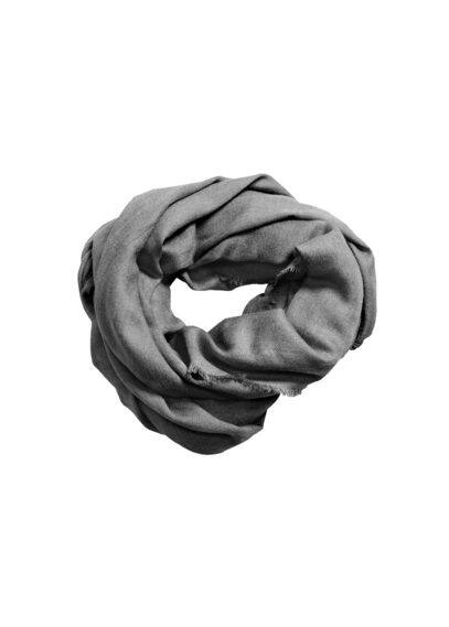Foulard bords effilochés