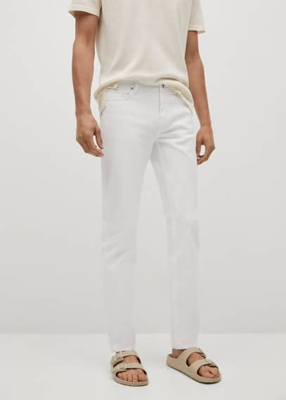 Мужские джинсы Mango (Манго) Джинсы Jan slim fit белого цвета - Jan