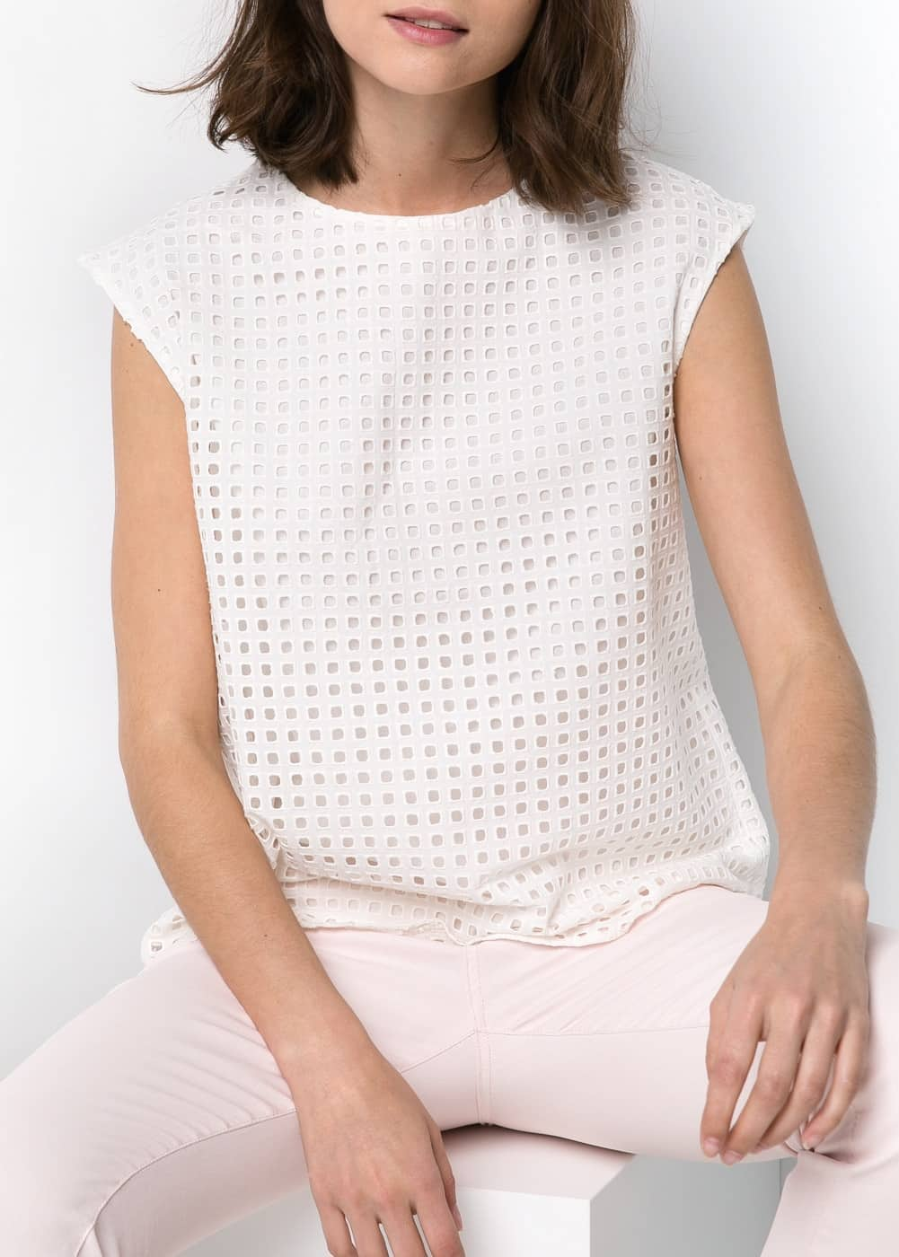 Broderie anglaise top | MANGO