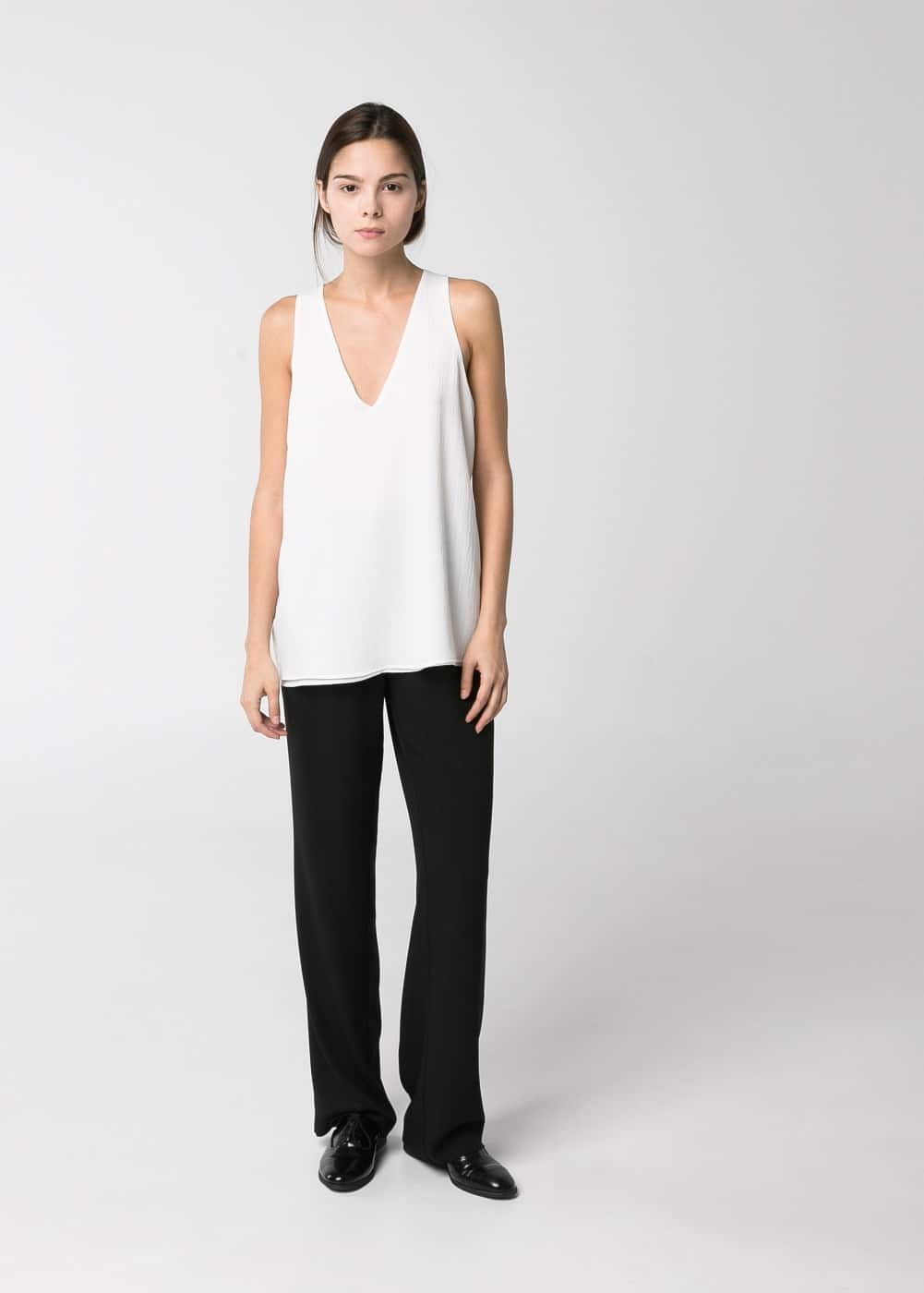 Textured v-neck top | MANGO