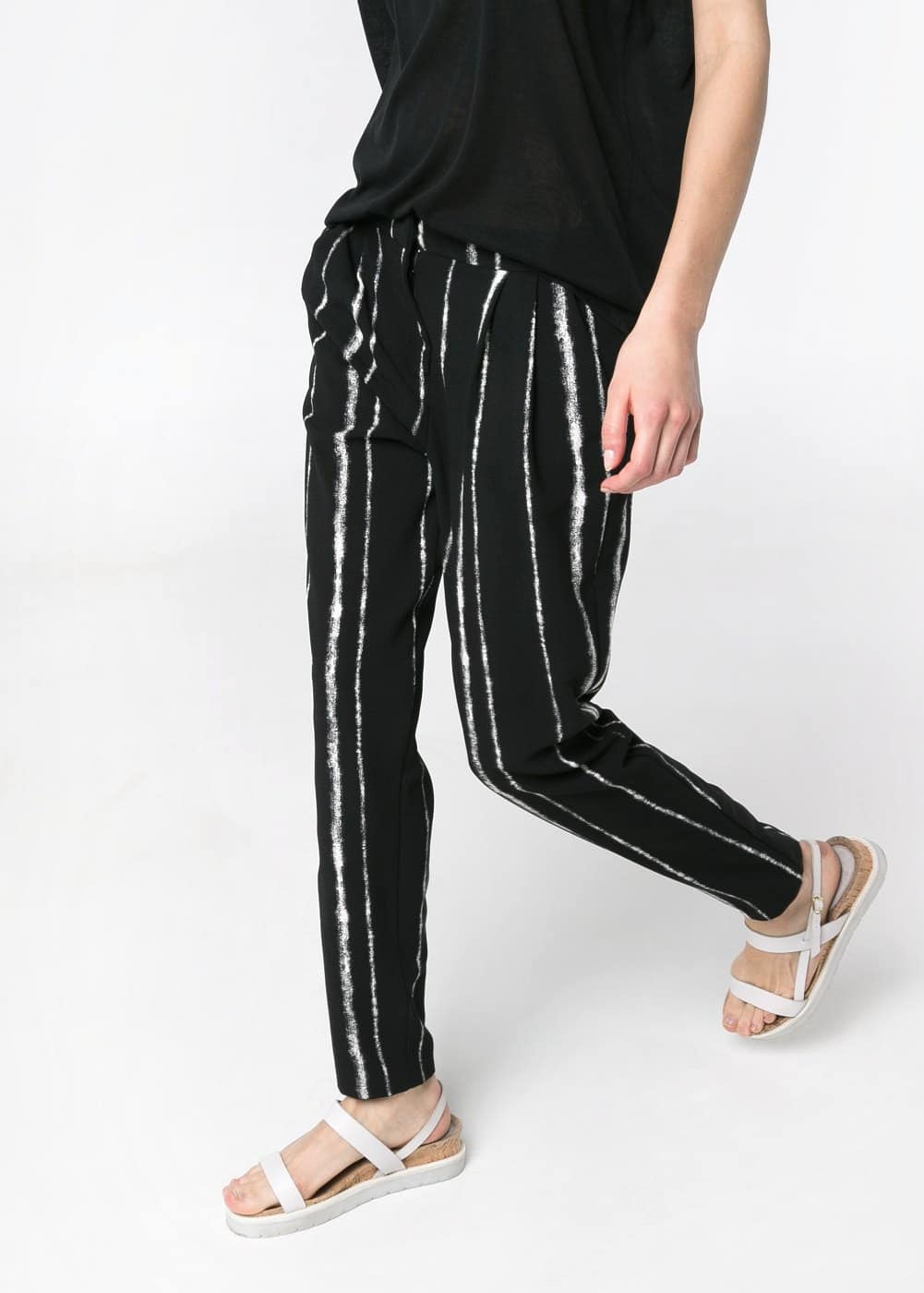 Bicolor striped baggy trousers | MANGO